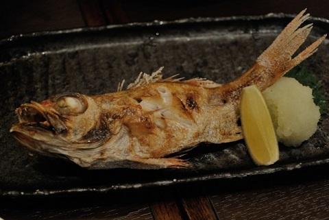 喉に刺さった魚の骨