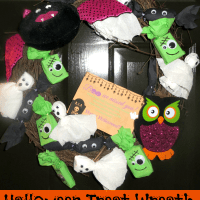 DIY Halloween Treat Wreath Tutorial #DGHalloweenHack
