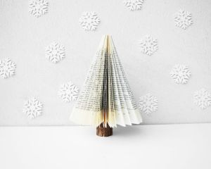 how-to-make-a-book-tree-christmas-decor-christmas-decorations-crafts-how-to
