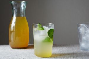 Saffron and Cardamom Lemonade
