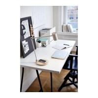 Bezprzewodowe ładowanie w meblach i lampach z IKEA
