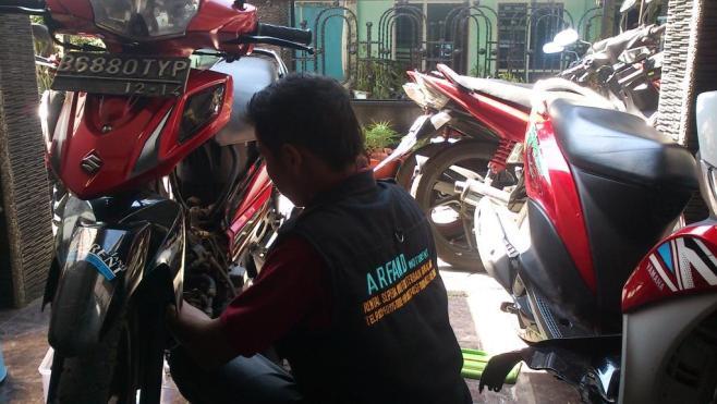 Service Oleh Mekanik Handal