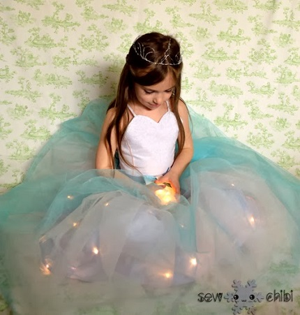 Idea file: Add lights to a princess dress