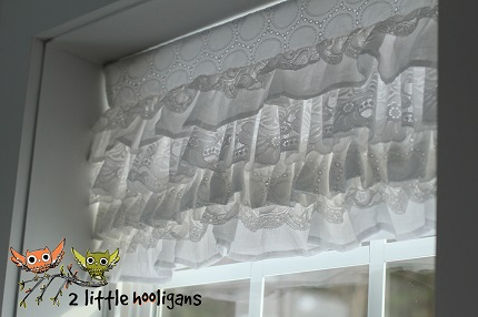 Tutorial: Layered lace window valance