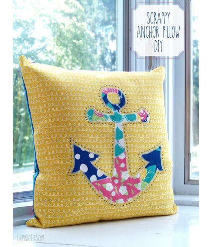 Tutorial: Scrappy anchor throw pillow