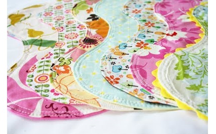 Free pattern: Curved burp cloth