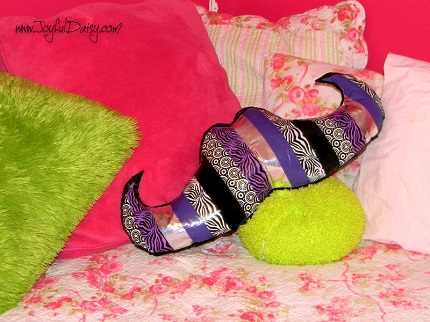 Tutorial: No-sew duck tape mustache pillow