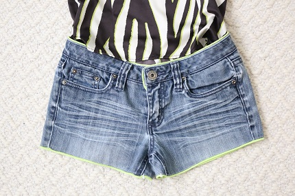 Tutorial: Piped trim jean shorts