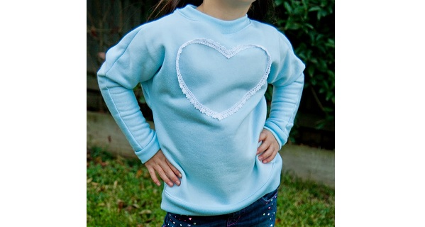 Free pattern: Little girls Lacey-Love batwing sweater or dress