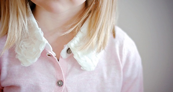 Free pattern: Little girls fancy detachable collar