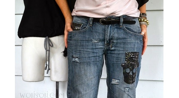 Tutorial: No-sew sequin skull distressed jeans