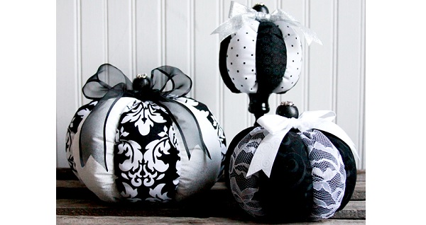 Tutorial Striped fabric pumpkins in three sizes