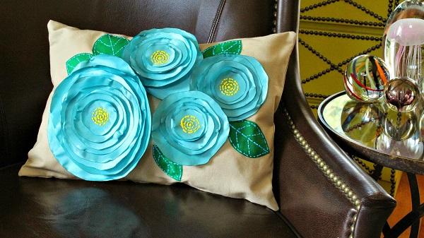 Tutorial: No-sew 3D fabric flower pillow – Sewing