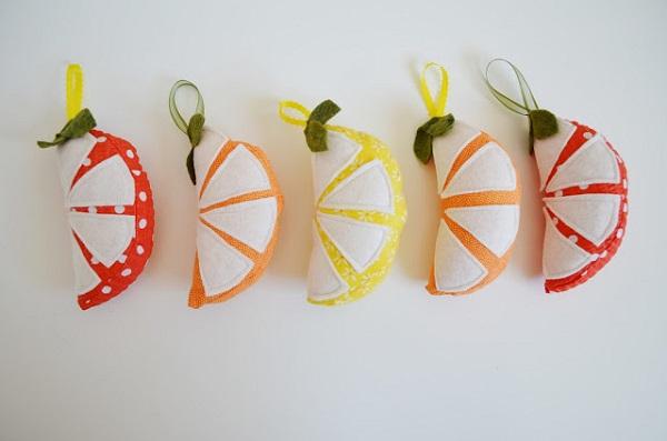 Free pattern: Citrus slice pincushion