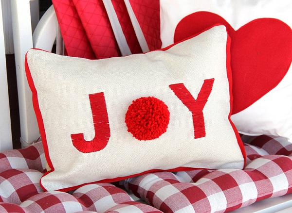 Tutorial: Joy pom pom pillow