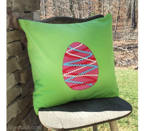 Tutorial: Ric rac Easter egg pillow