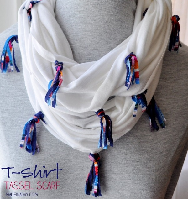 Tutorial: No-sew tassel scarf