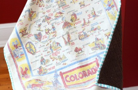 Tutorial: Baby blanket from a vintage tablecloth