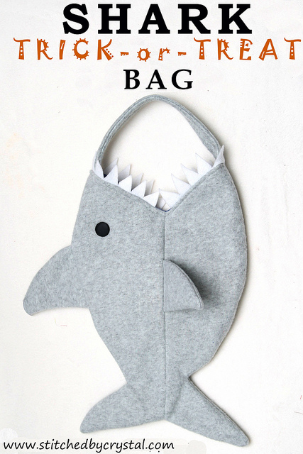 Free pattern: Shark trick-or-treat bag