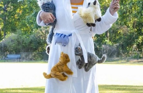 Tutorial: Crazy cat lady Halloween costume – no sewing required