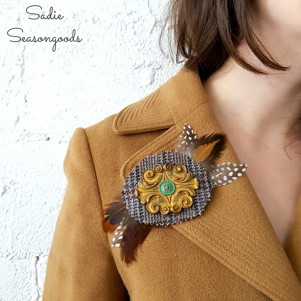 Tutorial Tweed and salvaged furniture applique brooches