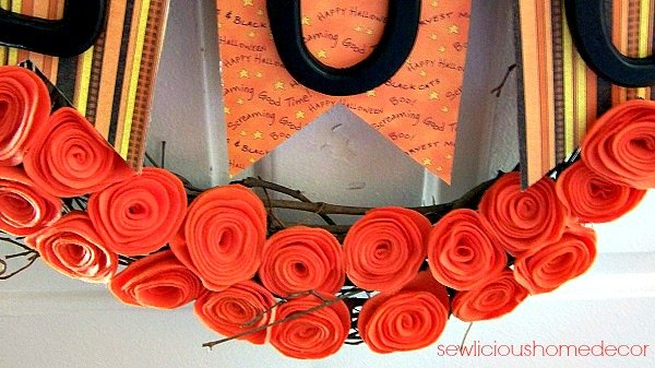 BOO Halloween Wreath Felt Flowers BOO Halloween Wreath + Tutorial