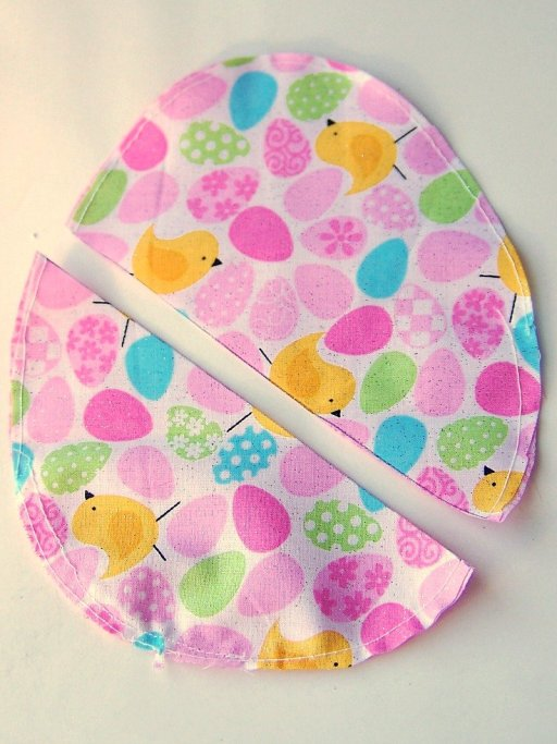 1100 7011 Easter Egg Zipper Pouch with Key Holder Tutorial