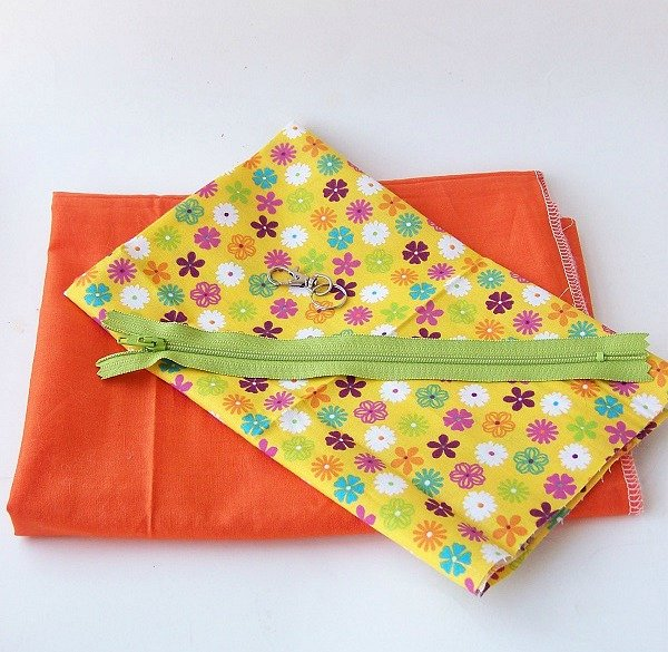 zipper pouch supplies Summer Sandal Zipper Pouch Tutorial