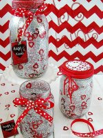 http://i2.wp.com/sewlicioushomedecor.com/wp-content/uploads/2015/02/DIY-Glitter-and-Confetti-Valentine-Jars-with-free-printables-sewlicioushomedecor.jpg?fit=150%2C200