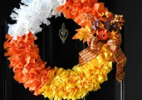 halloween-candy-corn-wreath-sewlicioushomedecor-com