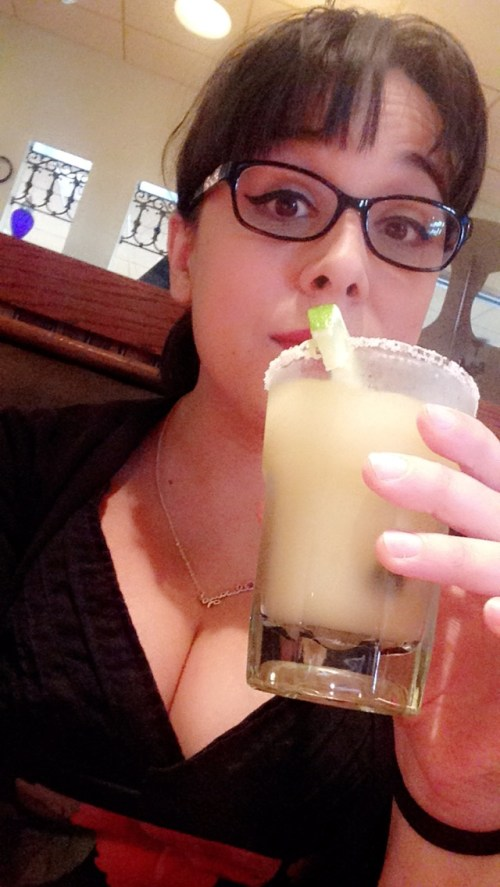 Bonus margarita drinkin' in a me-made dress photo.