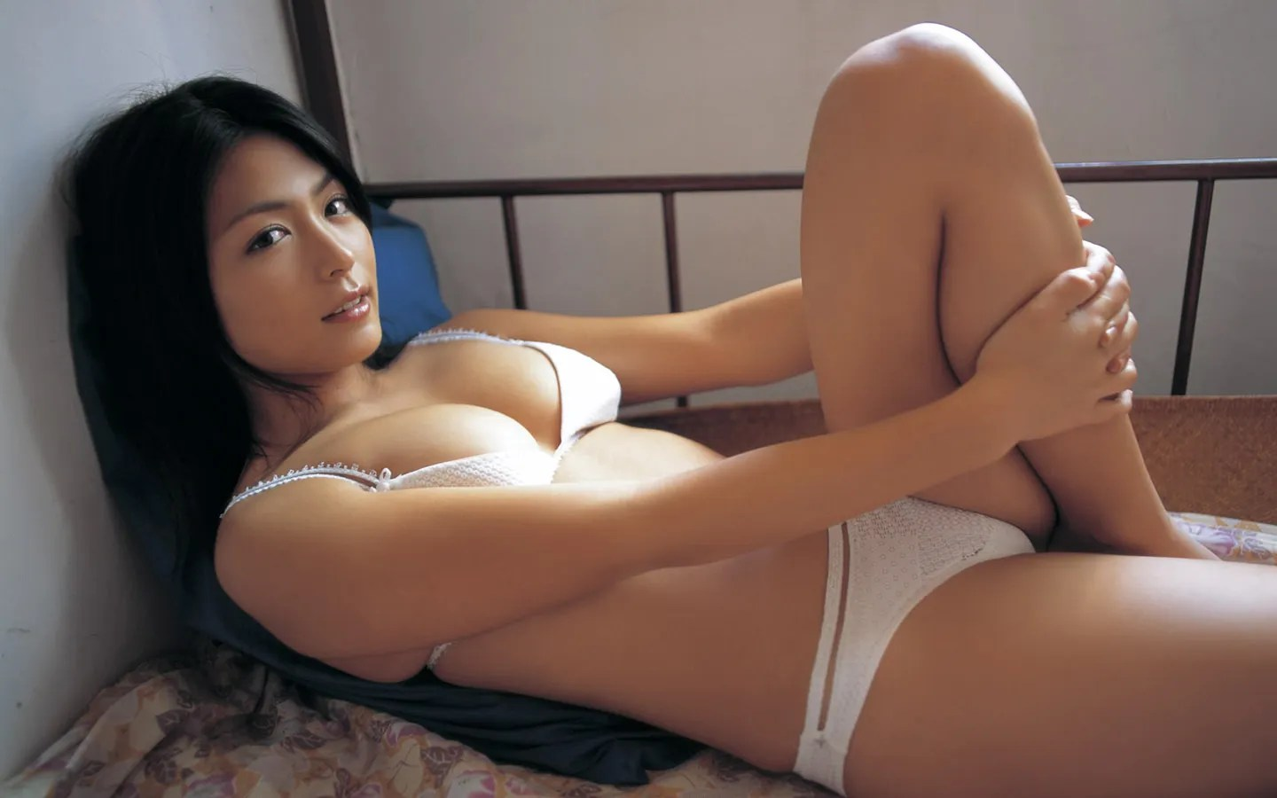 Sexy Bikini Asian Girl (Hot asian girl wallpaper Asian Girl 22)