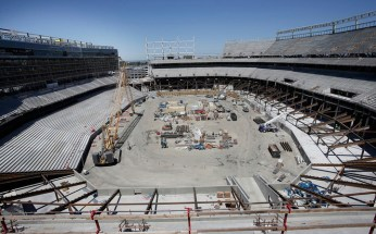 Santa Clara 49ers' stadium a year into construction no Black contractors 041813 by Gary Reyes, Bay Area News Group