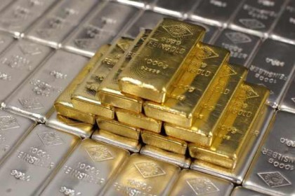 silver-and-gold-bars
