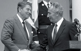 President Reagan, Israel Prime Min. Shimon Peres White House 100984 by AP-World Wide Photos
