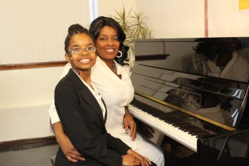 Stephanie Woodford and her mother at the piano – Photo: Lance Burton, Planet Fillmore Communications