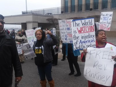 Supporters of Rev. Pinkney demonstrate their anger and determination to win justice. They refuse to be intimidated into silence, though they see clearly the corruption in Berrien County. – Photo: Abayomi Azikiwe