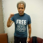 albert-woodfox-wears-free-kevin-cooper-t-shirt-at-reception-in-his-honor-at-answer-090716-by-carole-seligman-cropped