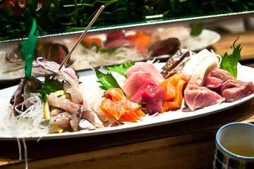 Zushi Puzzle Sashimi (Photo by Hawbone on Flickr)