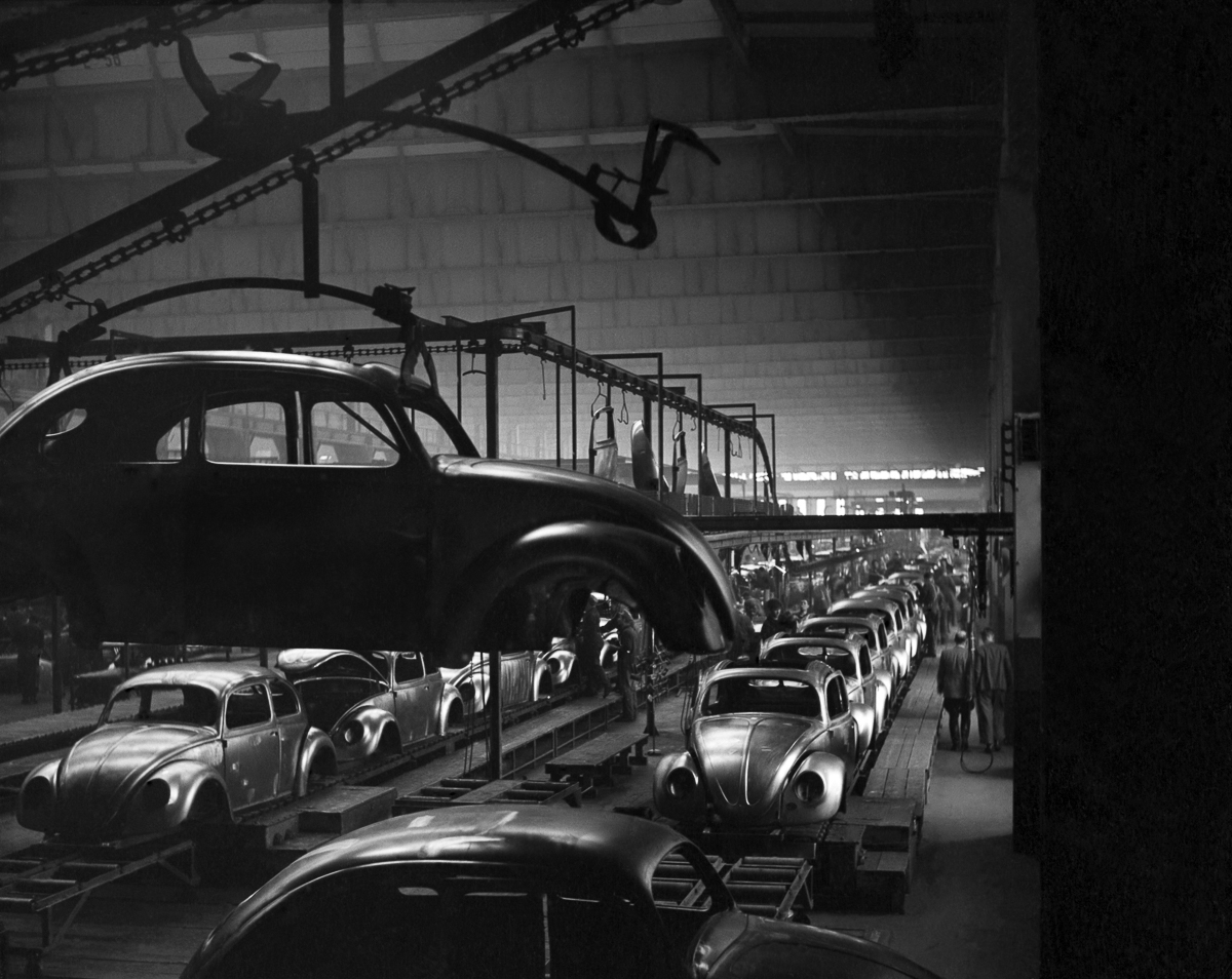 General views of the production line at the volkswagen factory producing Beetle cars in Germany. December 1952 C6101-003