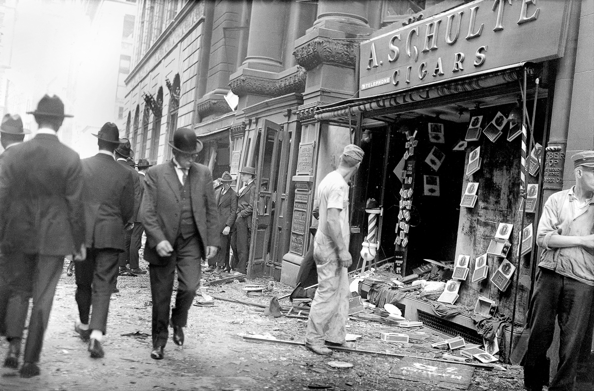 UNITED STATES - SEPTEMBER 16: Wall Street bombing explosion. Wrecked Schulte Cigars store window. (Photo by NY Daily News Archive via Getty Images)