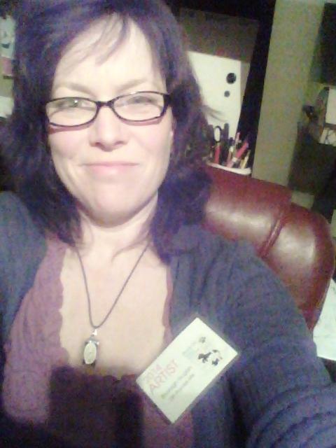 I'm an artist selfie from Shalavee.com