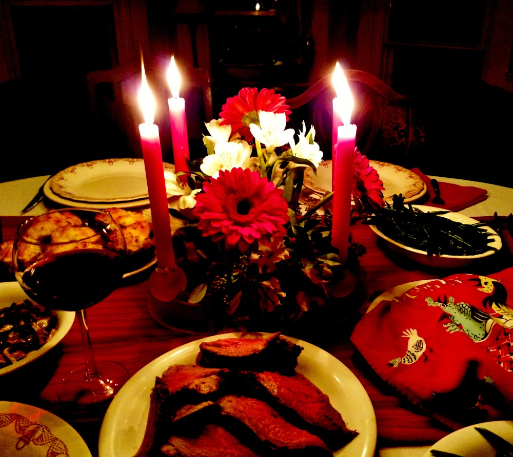 Christmas dinner table on Shalavee.com