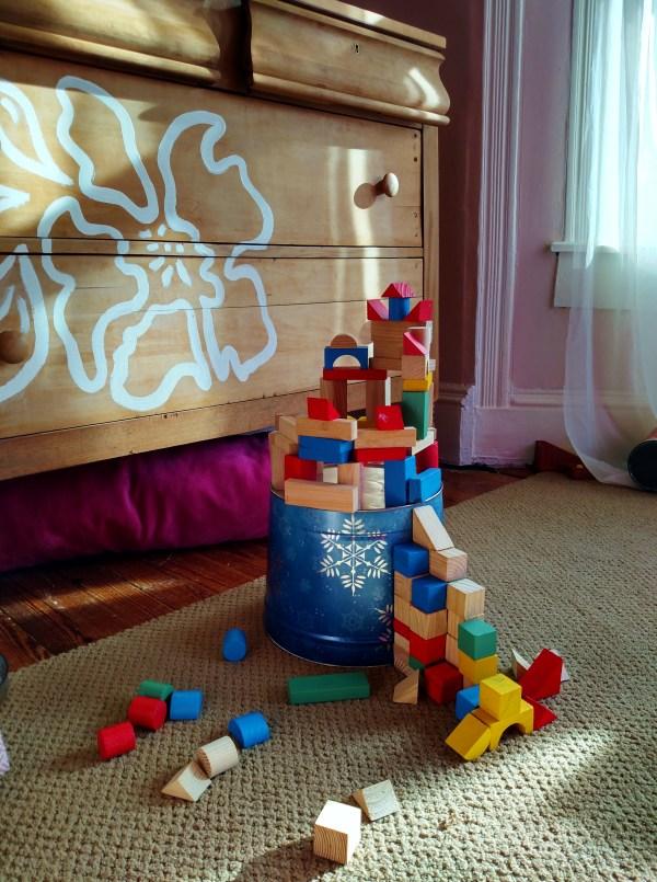 Daddy's block castle on Shalavee.com
