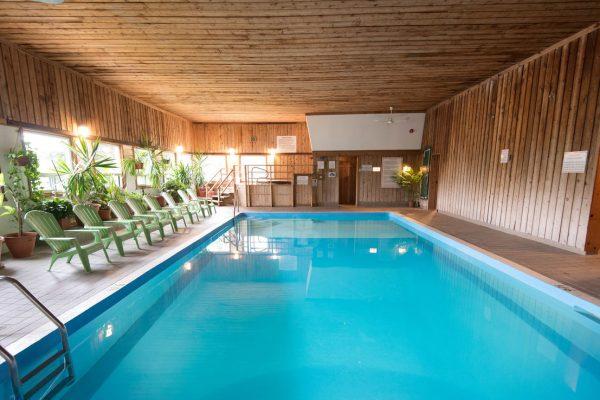 pool--v9215053-1280