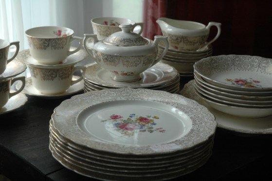 Rachael found this china set, 42 pieces for $20!! It will be our bridal shower present for her. Thank You Lord!