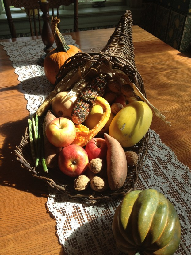 I've had this cornucopia for 20+ years- every year I fill it will fall produce