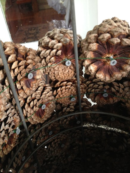 Pinecone_Christmas_tree_DG_101413_Hartwood_VA_SG_inside_1186x890