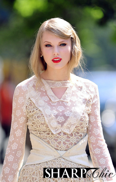 TAYLOR SWIFT NEW YORK rodart dress lace