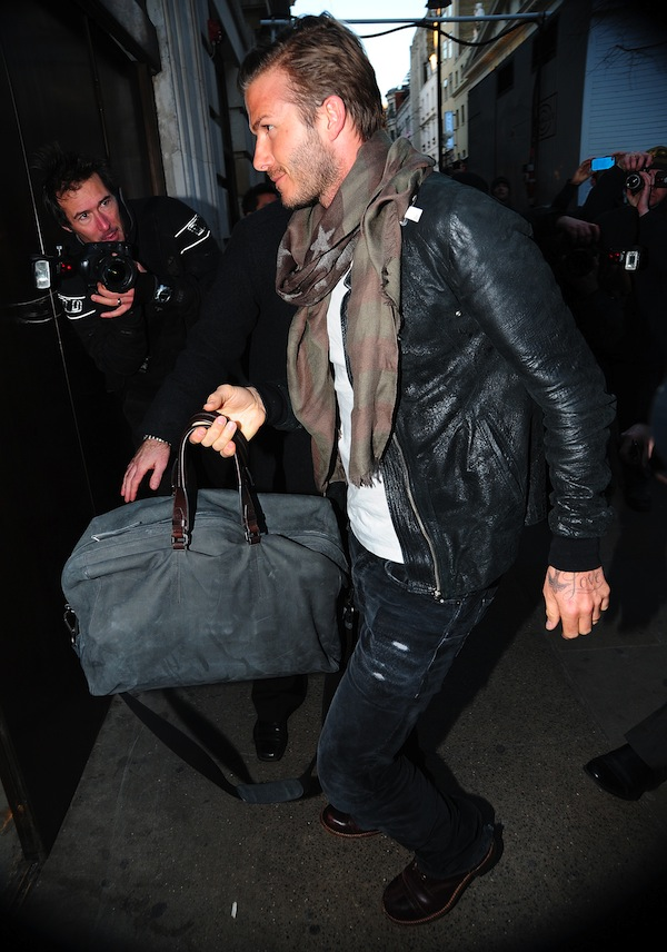 DAVID BECKHAM WITH BAG LAVIN